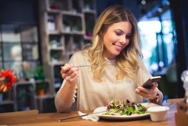 KANCERI I GJIRIT/ Ja 10 ushqime që nuk duhen konsumuar për parandalimin e sëmundjes