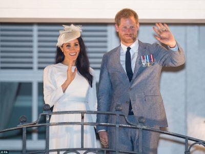 SI NA KISHTE SHPËTUAR/ Meghan dhe Harry janë besnikë të këtij rregulli të familjes mbretërore (FOTO)
