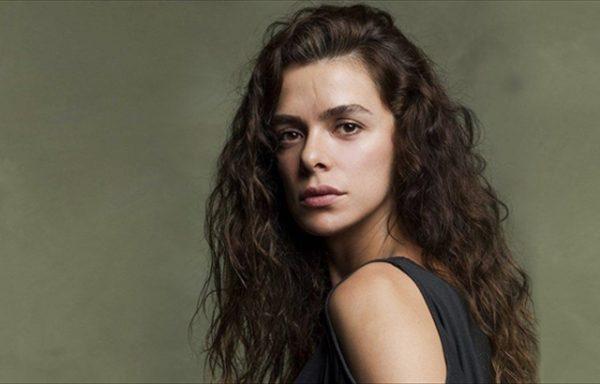 Sheh veten në serial/ Aktorja turke shpërthen në lot (FOTO)