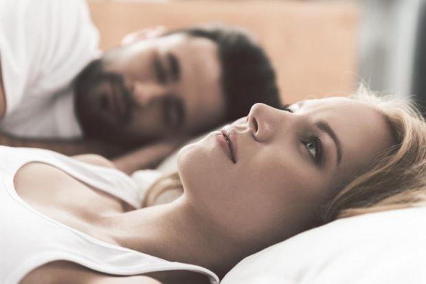6 arsyet përse nuk do të bëni seks sonte dhe nuk e ka fajin vetëm telefoni