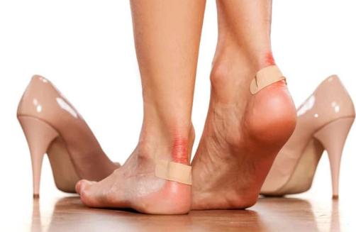TRUK I THJESHTË/ Ja si mund t'i zgjeroni këpucët e ngushta për 10 minuta
