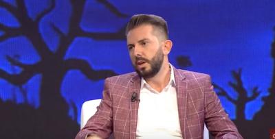 """""""VIJNË ZHVESHUR PËR PUNË""""/ Organizatori i eventeve nxjerr """"zbuluar"""" këngëtaret shqiptare (VIDEO)"""