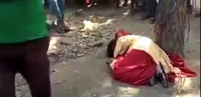 IKU NGA SHTËPIA ME TË DASHURIN/ Vajza lidhet në pemë dhe rrihet nga familjarët (VIDEO)