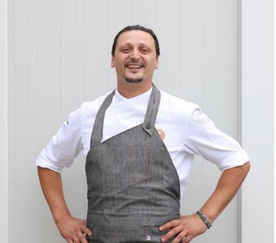 """EKSKLUZIVE/ Indrit Çela, PASIONI për kuzhinën, eksperienca tek """"Master Chef"""" dhe raporti me Alfion"""