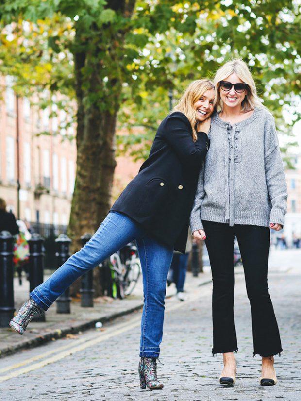 Nga adoleshenca në të 40-tat/ Zbuloni 6 stilet e xhinseve që mund ti veshim në çdo moshë (FOTO)