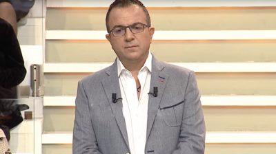 """""""ËSHTË E KATËRTA JAVË QË PO TURPËROHEMI""""/ Ardit Gjebrea gati për të ndërprerë emisionin pas problemeve në skenë"""