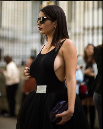 """FEJESA E SHKËLZENIT DHE ARMINËS/ Shihni """"shifrat e çmendura"""" të veshjes së blogeres (FOTO)"""