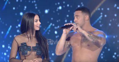 """I DOLI B*THA NË MES TË SKENËS/ Prezantuesja e njohur la """"nam"""" në """"Dance With Me"""" (FOTO)"""