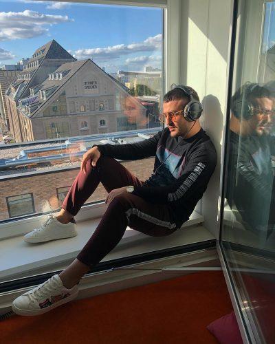 Ardian Bujupi në gjendje të vështirë shëndetësore/ Këngëtari publikon foto nga spitali