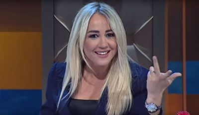 """"""" R**Q** femër do tërhequr zvarrë""""/ Ndjekësi e shan por moderatorja e njohur nuk ia përton: Je çun k**ve (FOTO)"""