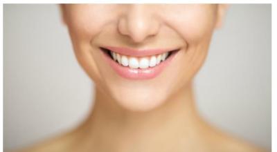 3 mënyra natyrale si të zbardhni vetë dhëmbët në shtëpi