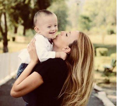 """""""Si është të rrisësh një fëmijë me sindromën Down""""/ Gruaja e """"Dr.Florit"""" dha mesazhin më të bukur (FOTO)"""