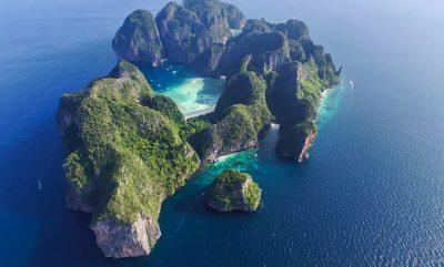 """U BË I FAMSHËM NGA FILMI """"THE BEACH""""/ Plazhi """"Maya Bay"""" në Tajlandë do të qëndrojë i mbyllur pa afat"""