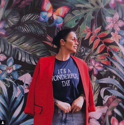 JONIDA MALIQI NDRYSHON TËRËSISHT LOOK/ Ja si duket këngëtarja (FOTO)