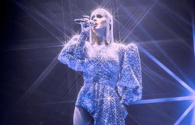 FAMILJA MODERNE/ Katy Perry feston ditëlindjen me partnerin dhe ish-gruan e tij (FOTO)