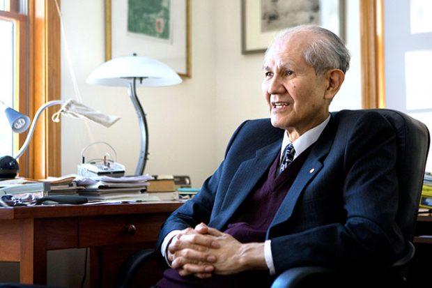 FITUESE I NOBEL-IT NË KIMI/ Osamu Shimomura vdes në moshën 90-vjeçare