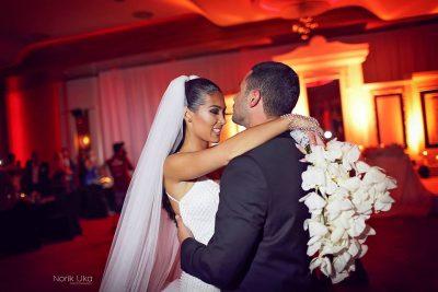 """""""I THASHË DATËN DHE ORËN""""/ Robert Berisha rrëfen si e propozoi Norën për martesë (VIDEO)"""