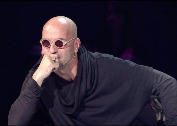 """""""Jam shokuar me ngjarjet që ndodhin në Shqipëri""""/ Robert Aliaj """"flet troç"""" çfarë e shqetëson (FOTO)"""