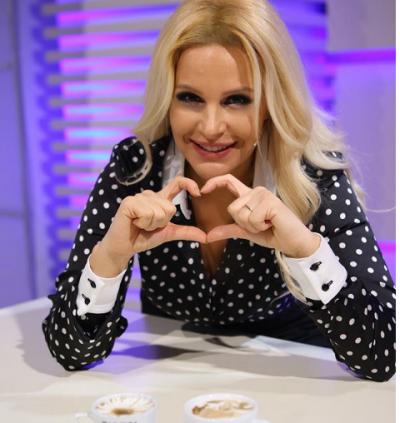 """KRENARIA DHE LUMTURIA""/ Rudina Magjistari prezanton mbesën super SEKSI (FOTO)"