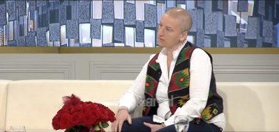 """""""U shokova kur e mësova babai humbi 10 kg""""/ Regjisorja shqiptare rrëfen luftën me leuceminë (VIDEO)"""