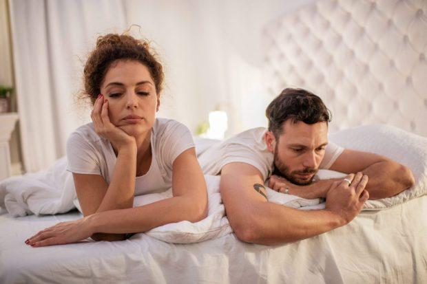 Çfarë ndodh me një mashkull në shtrat kur e tepron me pijen? Ja e vërteta