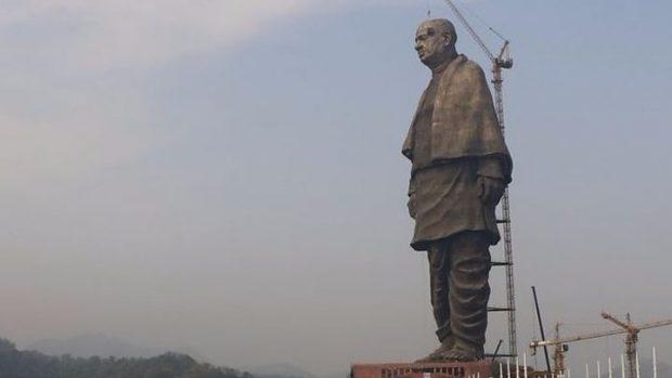 """""""HARXHIM I PARAVE PUBLIKE""""/ India zbulon statujën më të lartë në botë"""