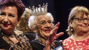 """""""MISS E MBIJETUARA E HOLOKAUSTIT""""/ Çmimin në garën vjetore e fiton një 93 vjeçare"""