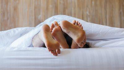 DUHET TI PROVONI/ Këto janë pozicionet më të reja të seksit (FOTO)