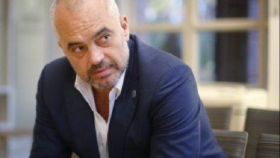 """""""AMAN ATË PASHAPORTËN""""/ Këngëtarja shqiptare i bën kërkesë kryeministrit Edi Rama"""