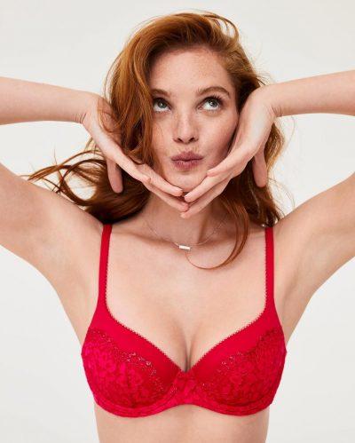 KENI APO S'KENI TË DASHUR/ Ja 5 veshjet e brendshme që duhet t'i ketë çdo femër