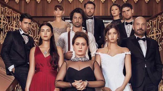 I DHA FUND BEQARISË/ Brenda fejesës tradicionale të aktores së njohur turke (FOTO)