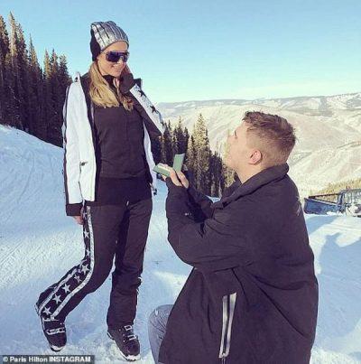 PAS NDARJES/ Ish-i fejuari i Paris Hilton kërkon t'i kthehet unaza (FOTO)