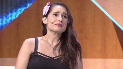 """IA """"BOMBARDUAN"""" INSTAGRAMIN/ Çfarë i shkruajnë Alyne-s shqiptarët pasi qau në emision (FOTO)"""