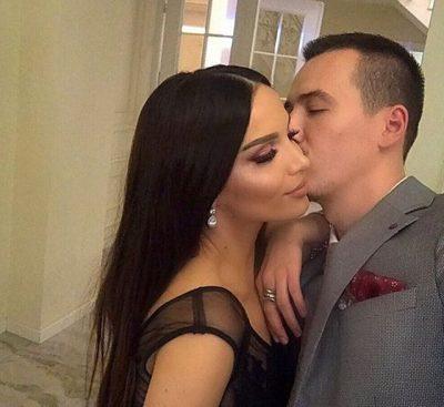 """THANË SE U NDA NGA BASHKËSHORTJA/ Këngëtari shqiptar """"u mbyll"""" gojën me këtë foto"""