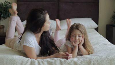 Letra: Vajzës sime, më fal që s'të solla në jetë si fëmijët e tjerë