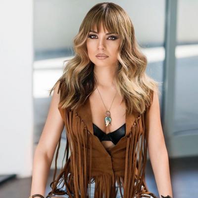 ME SIGURI NUK E DINIT/ Ja cila është farmacistja seksi shqiptare që bën videoklipe