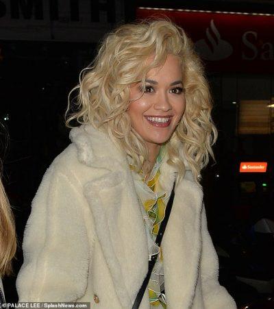 I DASHURI I RI? Rita Ora doli me aktorin e famshëm dhe të gjithë mendojnë se…