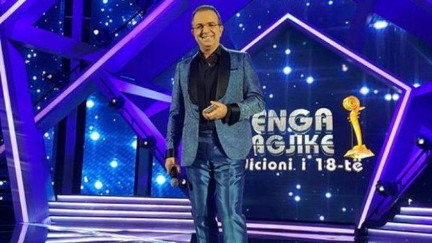 """""""BASHKË PËR 20 VJETORIN""""/ Ardit Gjebrea na tregoi një tjetër surprizë të Këngës Magjike (FOTO)"""