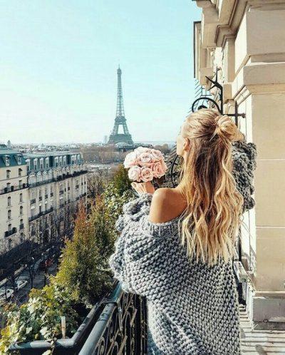 Gratë parisiene e caktuan trendin e çizmeve për 2018-ën dhe bota e modës e aprovoi