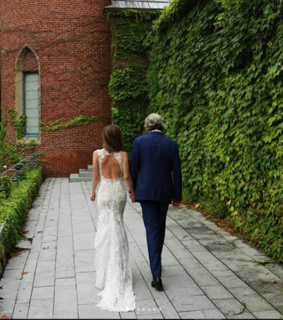 PUBLIKON FOTON E ËMBËL/ Eliza Dushku e lumtur në krahët e bashkëshortit
