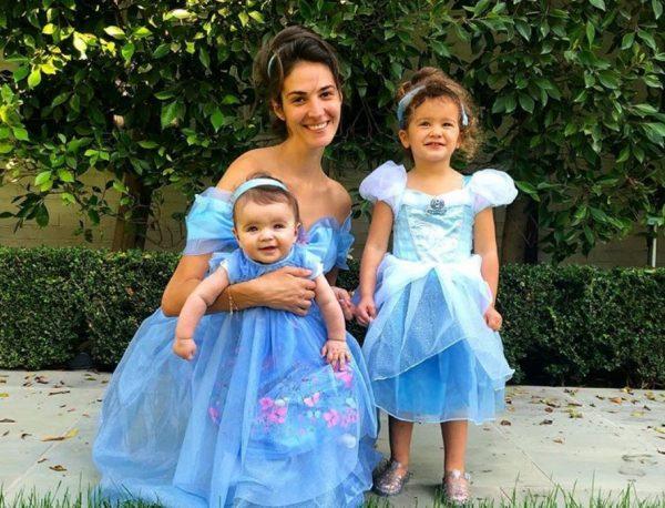 """Emina për herë të parë darkë me vajzat/ Modelja ndan një """"shqetësim"""" me të gjitha nënat (FOTO)"""