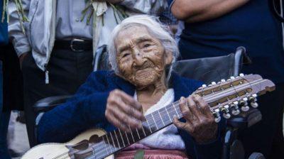 FLORES COLQUE/ 118-vjeçarja boliviane është njeriu më i vjetër në botë