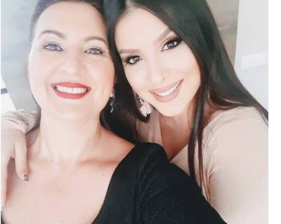 NA SUPRIZOI/ Nëna e Gjikos sapo postoi foton e Elitës me barkun e rrumbullakosur