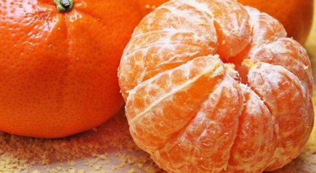 Shihni se çfarë i ndodh trupit tuaj nëse hani mandarina çdo ditë