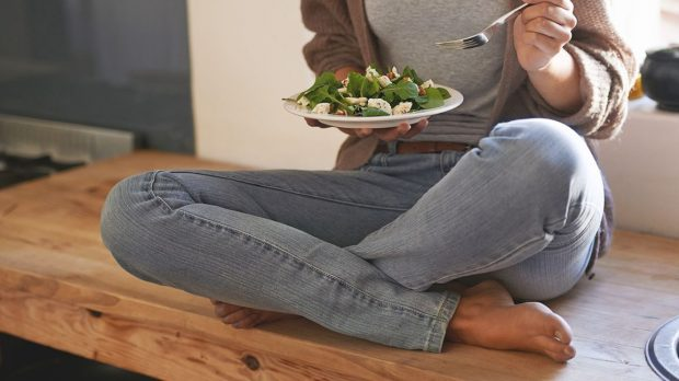 NGA KAFET TEK ALKOLI/ Shmangini me patjetër këto ushqime nëse vuani nga ankthi dhe depresioni