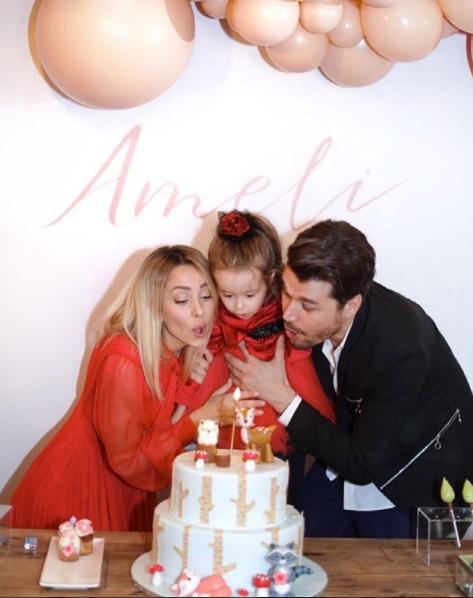 """""""GËZUAR DASHURIA JONË""""/ Alban Skënderaj dhe Miriam Cani festojn ditëlindjen e vajzës (FOTO)"""