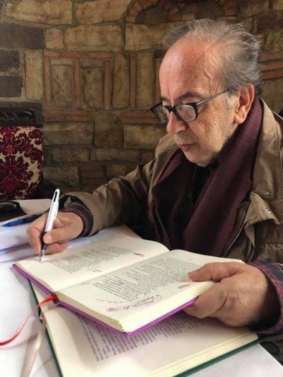 """""""KUR SUNDUESIT GRINDEN""""/ Vepra """"MISTER"""" që do sjellë Ismail Kadare në """"Panairin e Librit"""""""
