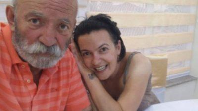 1  VIT PA TË BIJËN/ Aktori i njohur rrënqeth me vargjet kushtuar Bubulinës (FOTO)