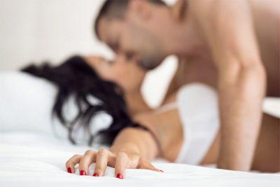 SI TA NDIZNI PARTNEREN/ Disa këshilla dhe rregulla se si të bëni seks gjatë gjithë natës