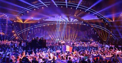 U SUPRIZUAM/ Publikohen emrat e tre këngëtareve shqiptare që synojnë Eurovizionin në 2019 (FOTO)